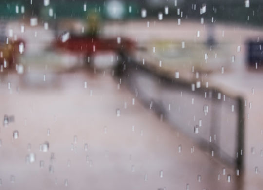 WhmTCTennis026_13_07_2014.jpg Bild: Hofmann . WNS . 13_07_2014 . 13.07.2014 .   TC 02 Weinheim — TC Wolfsberg Pforzheim . Tennis 2. Bundesliga / Saison 2014 . Feature / Symbolbild / Symbolfoto / Schmuckbild . das Spiel wird wegen Regen / Gewitter unterbrochen