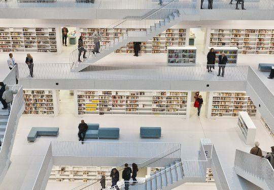 skal-StadtbibliothekStuttgart_Galeriesaal_c_die_arge_lola+(3)