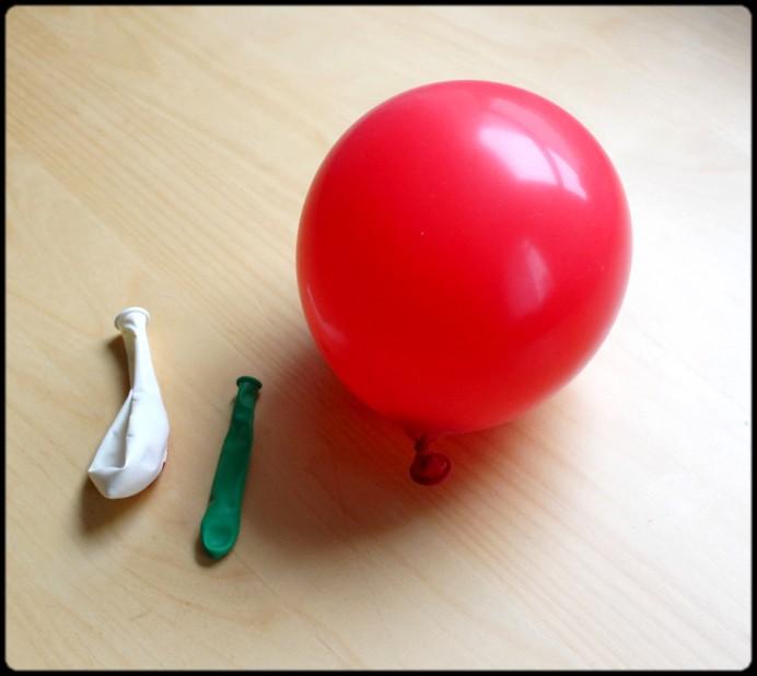 1. Schritt Luftballon halb so groß aufblasen DIY