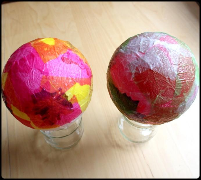 4. Schritt Papier auf Ballon kleben DIY (3)
