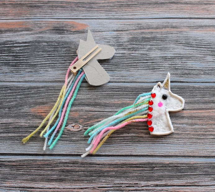 5. Schritt Einhorn DIY Unicron Rainbow Haarklammer hinter kleben (1)