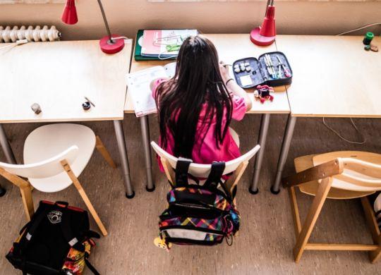 Kinder_Arm_Hausaufgaben
